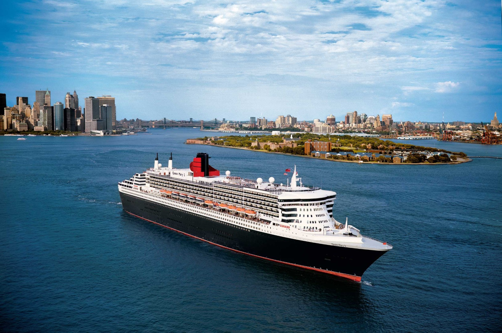 <strong>Queen Mary 2<span><b>vergroot foto</b></span></strong><i>→</i>