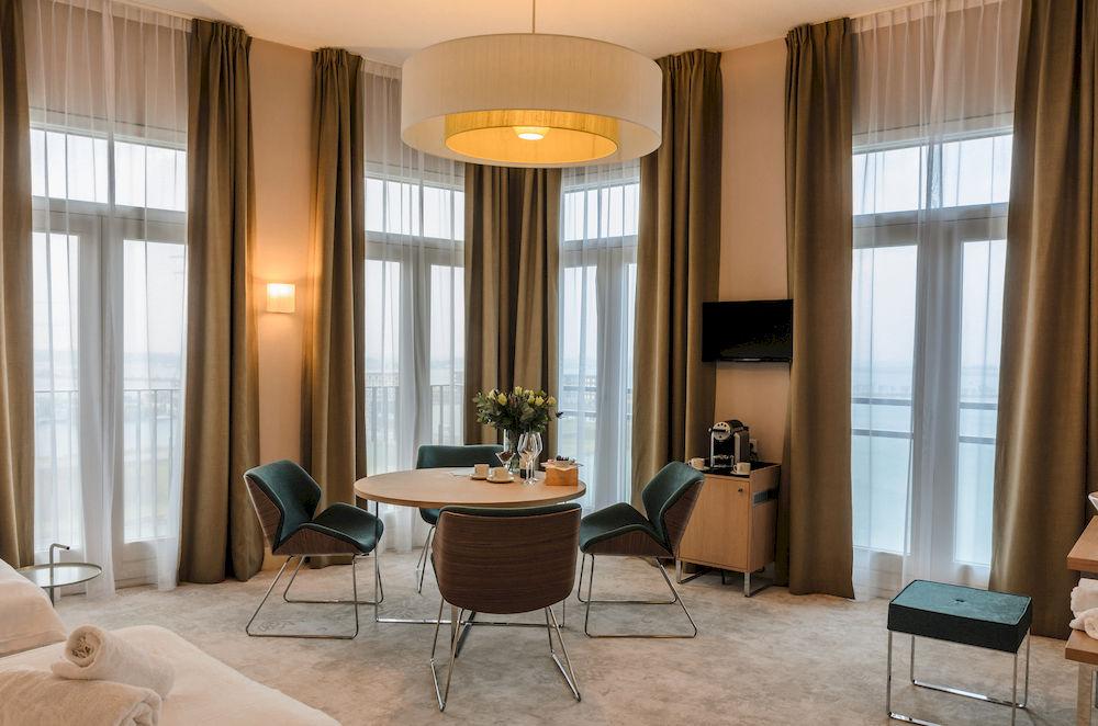 <strong>Panorama Hotel IJburg<span><b>in</b>Horeca </span></strong><i>→</i>